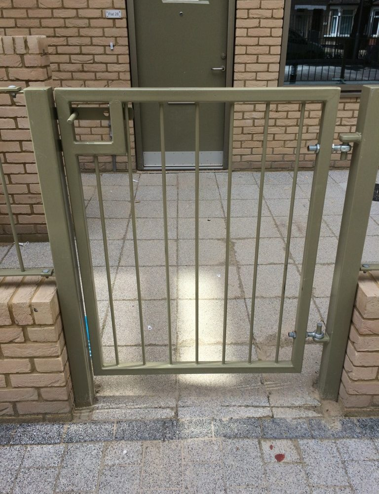 vertical bar gates
